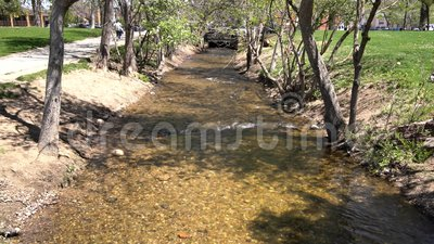 Boulder-Nebenfluss am Central Park stock footage
