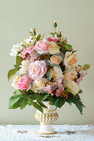 Free Bouquet Flower In The Vase Royalty Free Stock Images - 58652079