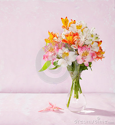 Free Bouquet Of Alstroemeria Stock Images - 49291944