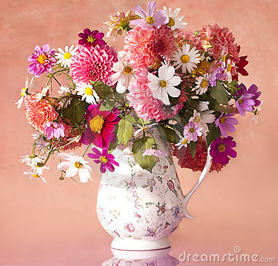 Free Bouquet Of Flowers Royalty Free Stock Images - 17341609