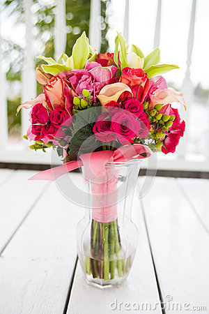 Free Bouquet Of Flowers In Vase Stock Photography - 25157242