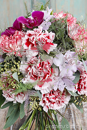 Free Bouquet Of Red Carnations And Purple Orchid Flowers Royalty Free Stock Image - 47500166