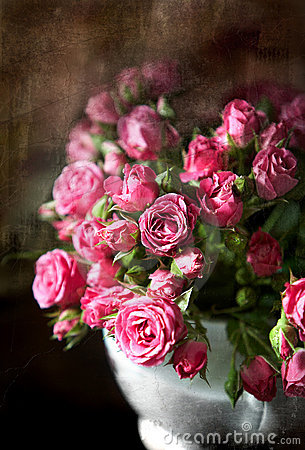 Free Bouquet Of Small Pink Roses Royalty Free Stock Photo - 5371095