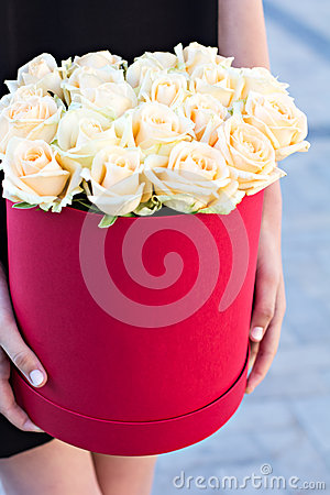 Free Bouquet Of White Roses Stock Photo - 66388930
