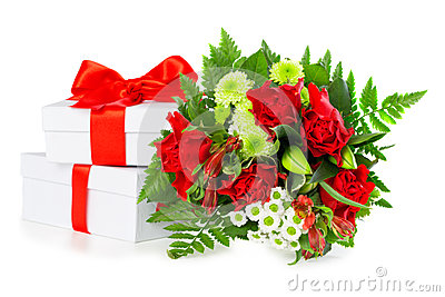 Bouquet of red roses with gift boxes