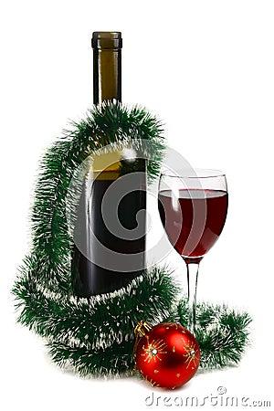 bouteille avec le vin rouge et d coration pour no l photos stock image 16689183. Black Bedroom Furniture Sets. Home Design Ideas
