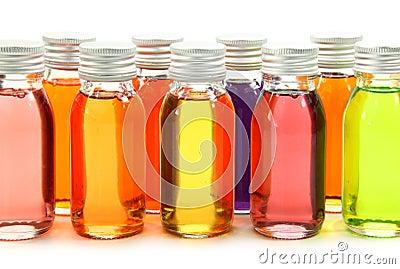 Bouteilles avec les huiles essentielles