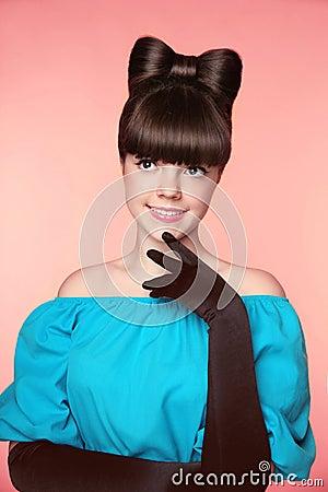 Free Bow Hairstyle. Beauty Fashion Elegant Teen Girl Model. Beautiful Stock Photos - 61080993
