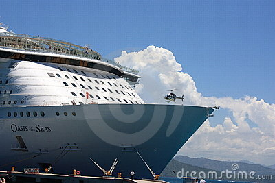 The bow of the Oasis of the seas Editorial Stock Image