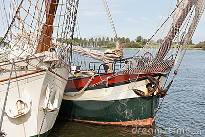 Bow of two schooners in Dutch harbor Kampen