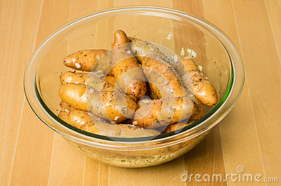 Bowl of fingerling potatoes with garlic