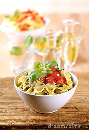Free Bowl Of Farfalle Pasta Stock Images - 13702024