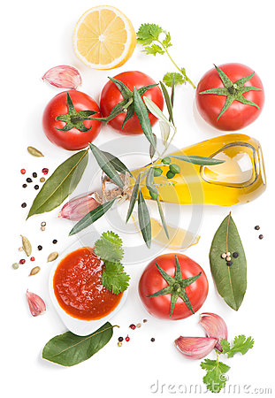 Free Bowl Of Tomato Sauce With Fresh Ingredients Stock Photos - 40799893