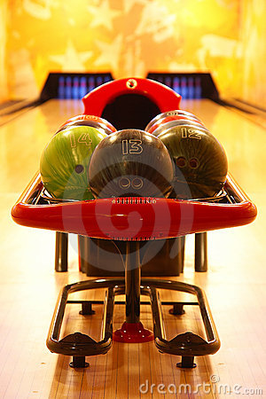 Free Bowling Royalty Free Stock Photography - 13060247