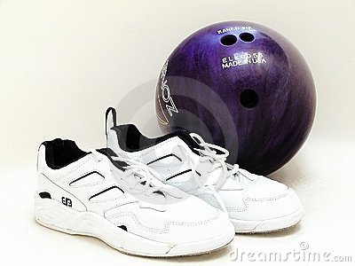 Purple Bowling Ball Stock Images - Image: 9830614