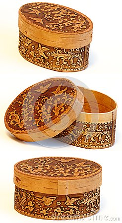 Box of elm ornamented with birds set