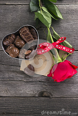 Free Box Of Chocolates, Red Rose On A Dark Background Stock Photo - 65740230