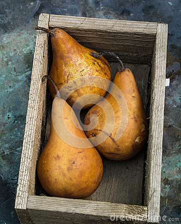 Box of Pear Fruit