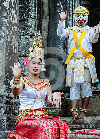 Free Boy And Girl Dressed In Traditional Cambodian Clothings Stock Images - 79311944