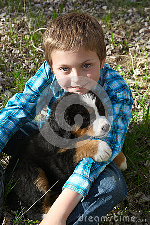 Free Boy And Puppy Royalty Free Stock Photography - 40447257