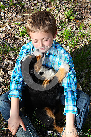 Free Boy And Puppy Stock Images - 42658114