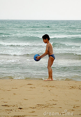 BOY BALL BEACH4