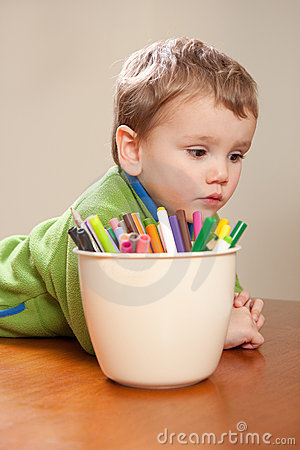 Free Boy Child With Kids Colored Drawing Pens Royalty Free Stock Image - 20347416