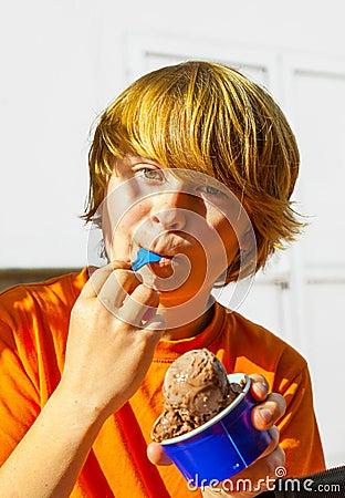 Free Boy Enjoys Icecream Stock Photo - 34309240