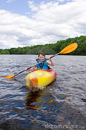 Free Boy Kayaking Royalty Free Stock Photos - 2727698