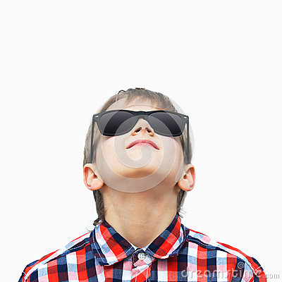 Free Boy Looking Up Stock Images - 42497434