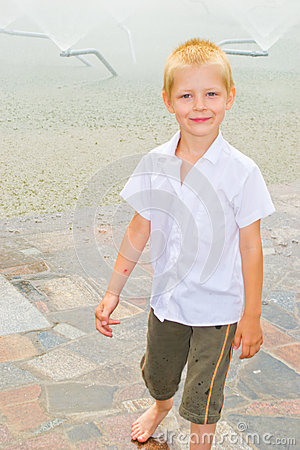 Free Boy Playing In The Fountain Stock Image - 42756811