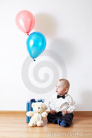 Free Boy With Gifts Royalty Free Stock Photos - 12173958