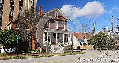 Boyhood home de Joseph Rucker Lamar en Augusta, Georgia 4K Lamar fue Justicia de la U S Tribunal Supremo La casa fue construida metrajes
