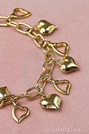 Bracelet in heart shape