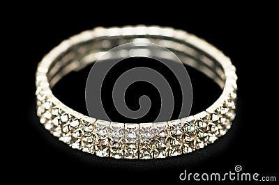 Bracelete com diamantes