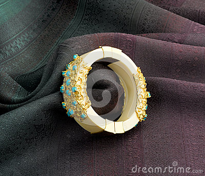 Bracelete do marfim