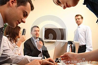 Brainstorming.Business Leute