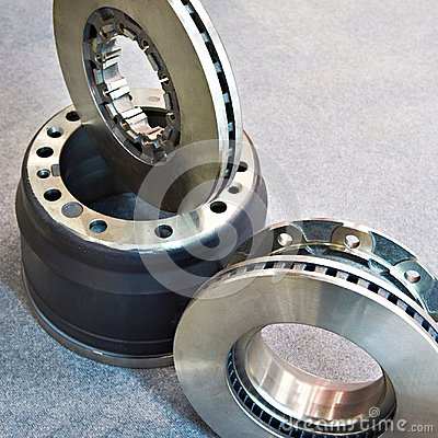 Free Brake Discs And Drum For Truck Royalty Free Stock Photo - 119815875