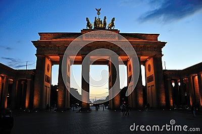 Brandenburg gate at dusk
