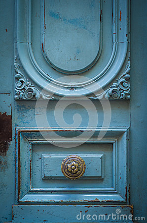 Free Brass Door Handle On A Rustic Blue Door Royalty Free Stock Photos - 47673208