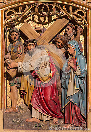 Free Bratislava - Jesus Under Cross Meets His Mother. Carved Relief From Gothic Side Altar In St. Martin Cathedral. Stock Photos - 37499113
