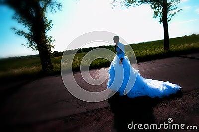 Braut auf Straße