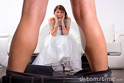 Braut entsetzt am Bräutigam Striptease