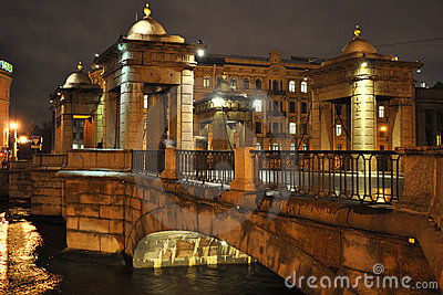 Brücke über Fontanka Fluss in St Petersburg