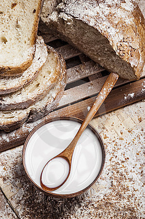 Free Bread And Milk Royalty Free Stock Images - 23829589