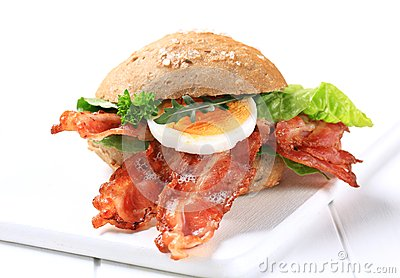 Bread bun with crispy bacon