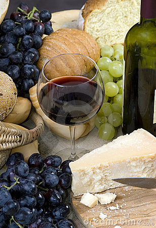 Free Bread Cheese And Wine 1 Royalty Free Stock Photography - 1325727