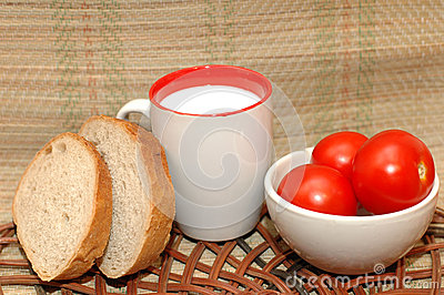 Bread milk and tomates