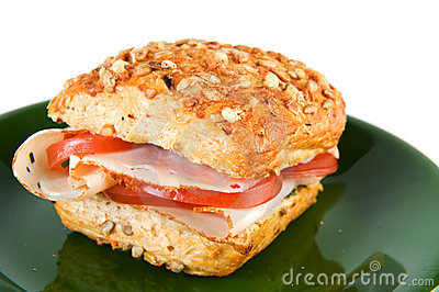 Bread roll with chicken and tomatoes