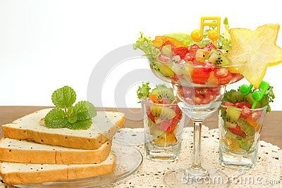 Bread slice and fruit salad fusion food